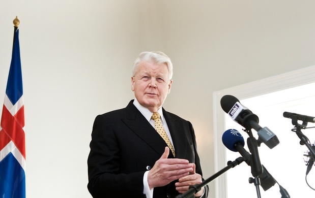 http://peacebytruth.files.wordpress.com/2011/02/c3b3lafur-ragnar-grimsson.jpg